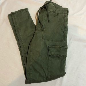 American eagle green cargo pants